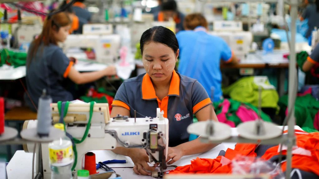 what jobs do people do in thailand